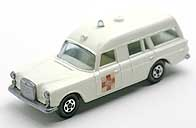 MATCHBOX MB AMBULANCE 001-01